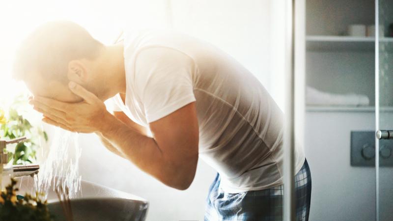 白癜风能用洗面奶洗脸吗